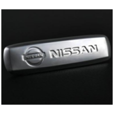 Металлический автолэйбл для ковриков Nissan